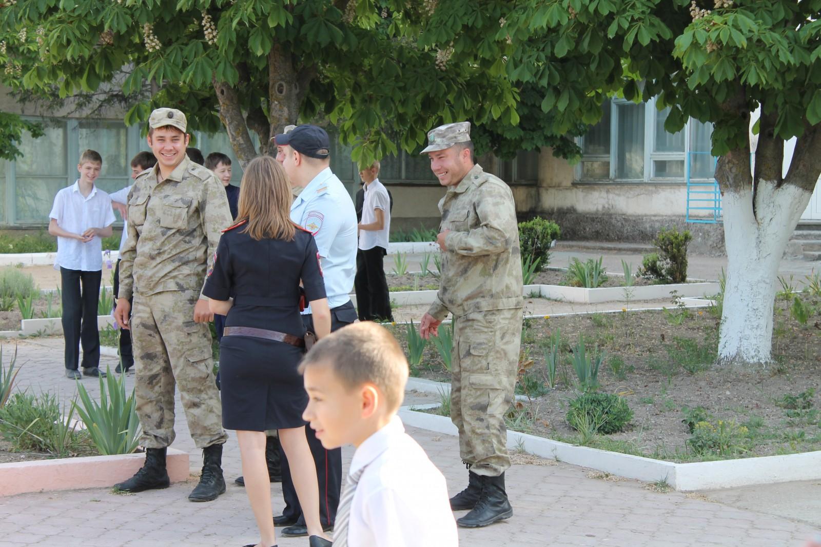 Народное ополчение Крыма на «Последнем звонке» в Бахчисарае 1