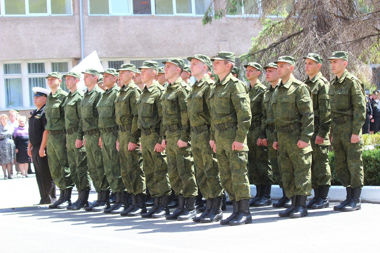 Первые призывники отправились в части Вооружённых сил России