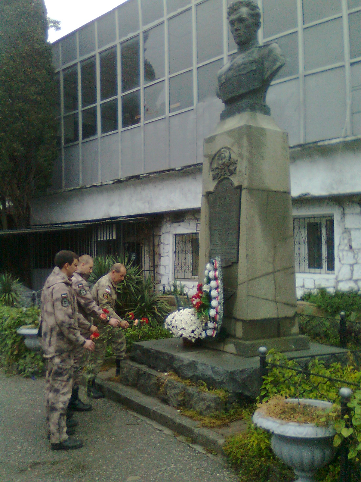 Ялтинские ополченцы почтили память Амет-Хан Султана
